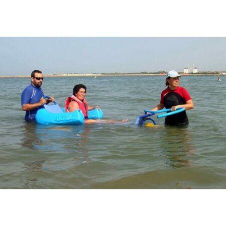 Silla anfibia de playa Oceanic uso 4