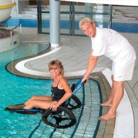 Silla de ruedas Hippocampe versión piscina uso 2