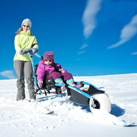 silla-de-ruedas-hippocampe-playa-para-disfrutar-de-la-nieve