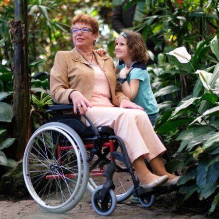 silla de ruedas de acero autopropulsable breezy premiun duradera