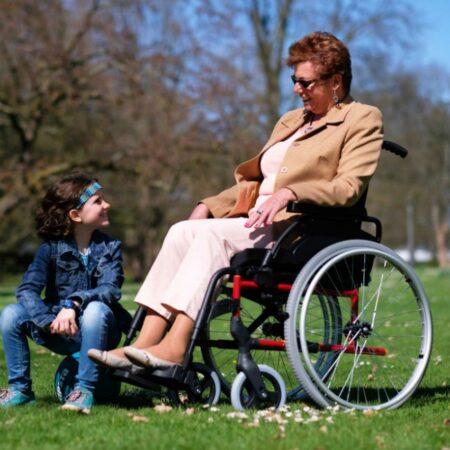 silla de ruedas de acero autopropulsable breezy premiun robusta