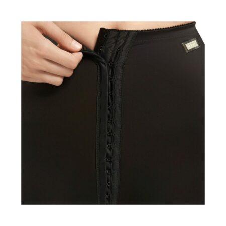 faja voe post liposuccion por debajo de rodillas y abdomen con refuerzos y cierre de corchetes 2